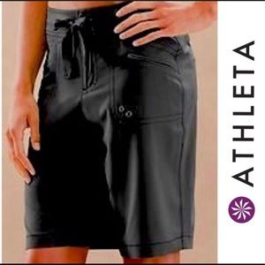 Athleta Breeze Bermuda shorts black 6